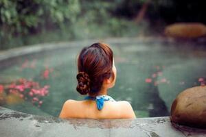 国内最佳温泉度假村(美女环绕)之中国十大温泉排名